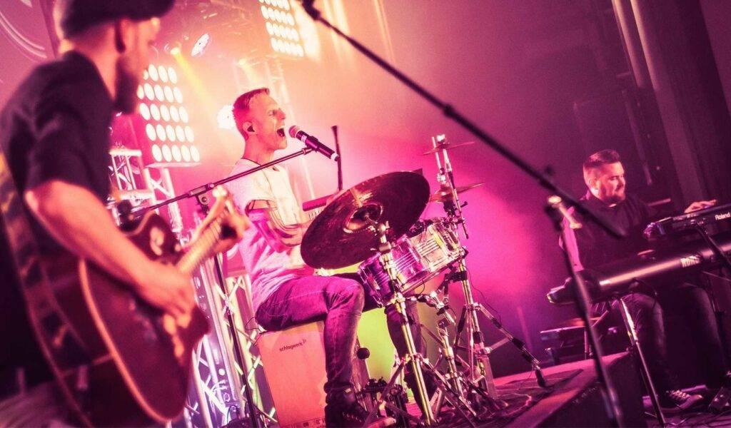 Unplugged Liveband Trio